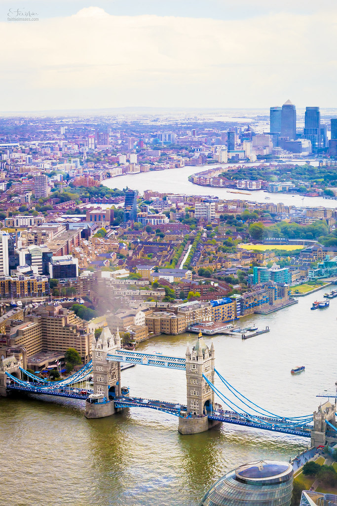 Panoramic view of the Tower Bridge in London from the Shard building