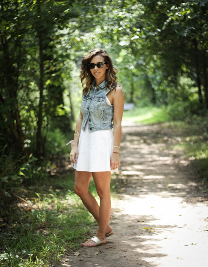 white sundress. white dress. denim vest. vest over dress. curly hair. gold sandals. dc style fashion blogger. 5