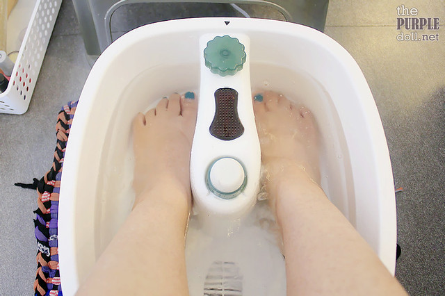 Foot soaking at Nail Cocktales