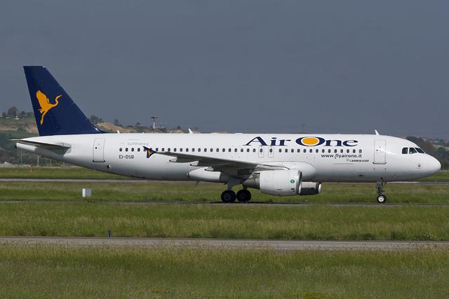 Megszűnik az Air One