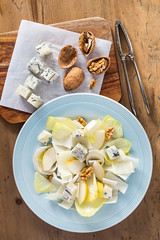 Endive salad with gorgonzola, pear and walnut