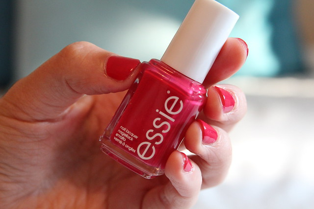 essie_haute_in_the_heat_1