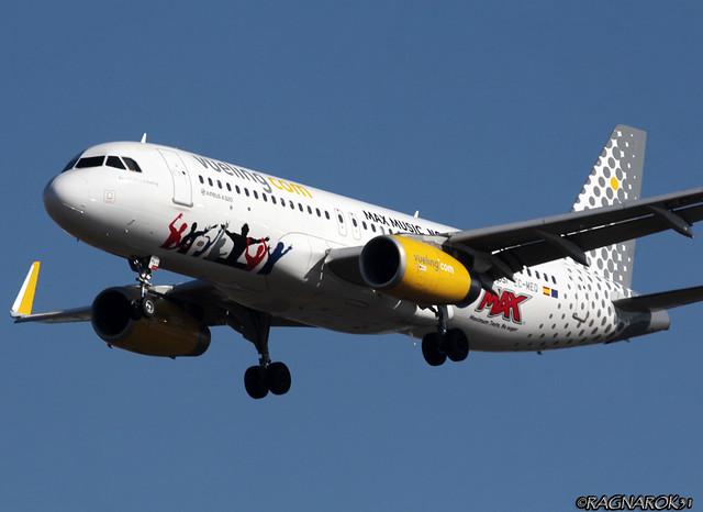 A320-200_VuelingAirlines_EC-MEQ-003, Canon EOS 60D, Sigma 50-500mm f/4-6.3 APO HSM EX