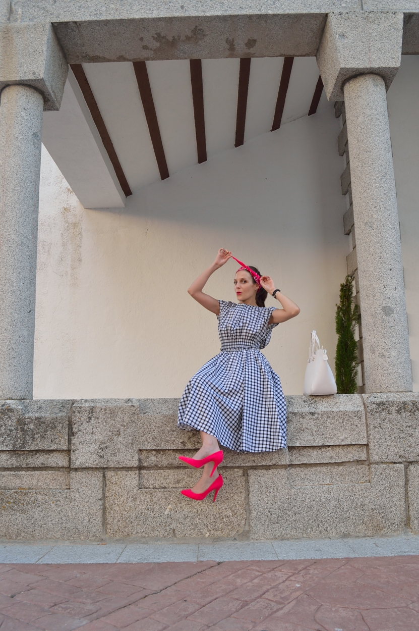 lara-vazquez-madlula-blog-style-fashion-pin-up-trends-summer-pink