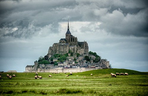 sky cloud france building castle monument grass saint landscape outdoors europe day sheep cloudy landmark lower michel normandy mont dreamscape montsaintmichel riccardo dreamview mantero afsvrzoomnikkor70300mmf4556gifed potd:country=it