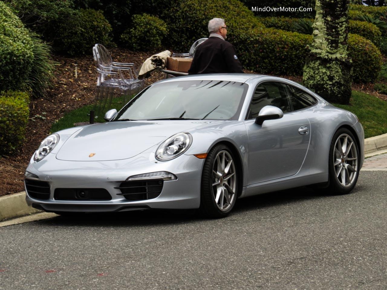 2014 Porsche 911 Carrera S Front Left