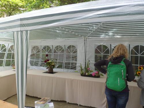 foto 2 grote stand met ikebana