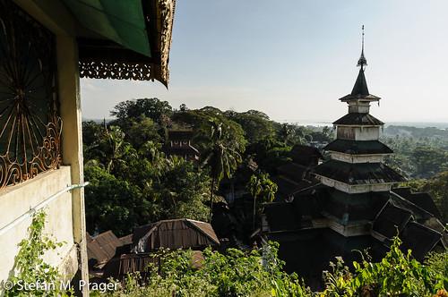 southeastasia burma buddhism myanmar birma moulmein buddhismus mawlamyaing mawlamyine südostasien kyaikthanlanpagode