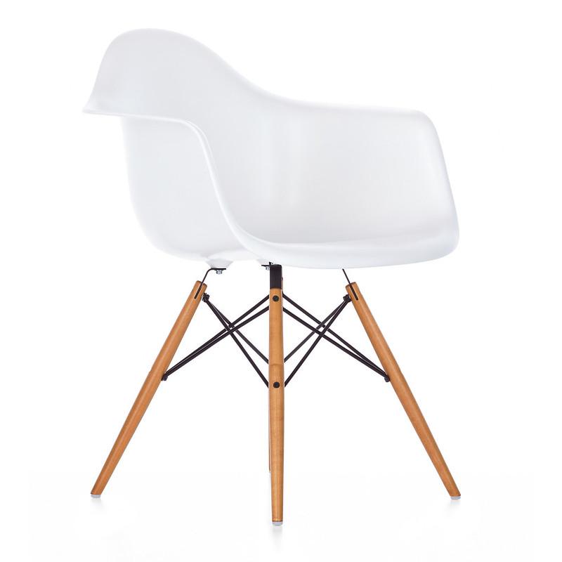 eames-plastic-armchair-daw-weiss