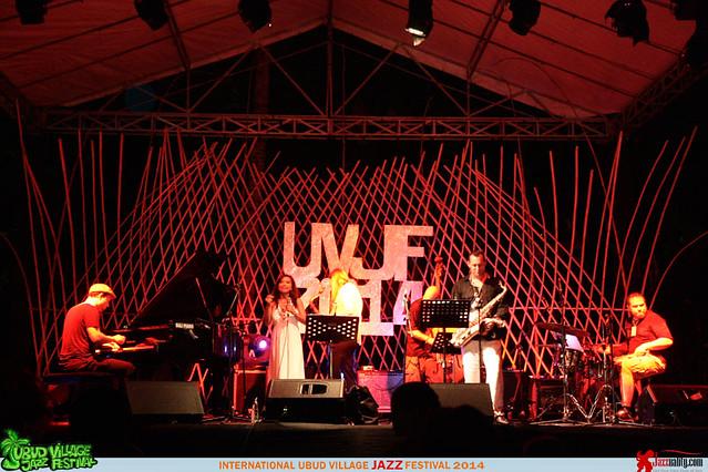 Ubud Village Jazz Festival 2014 - Uwe Plath-Dian Pratiwi-Ondrej Stveracek (4)