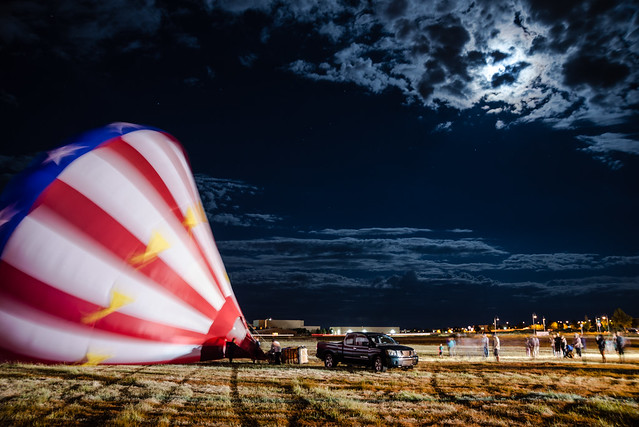 BallonInflationAtNight-20140906-100