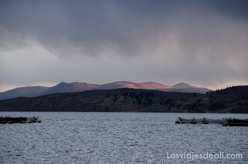 atardecer en el lago Titicaca desde la Península de Capachica