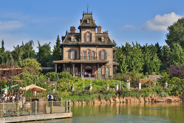 DLP Aug 2014 - Wandering through Frontierland
