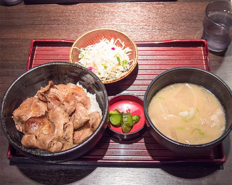 炭焼帯広豚丼・豚汁セット