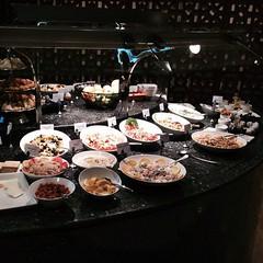 Buffet at Al Dhabi Lounge in Abu Dhabi International Airport AHU #InAbuDhabi