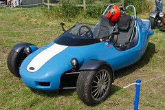 kart racing(0.0), sidecar(0.0), sports car(0.0), automobile(1.0), vehicle(1.0), open-wheel car(1.0), land vehicle(1.0),