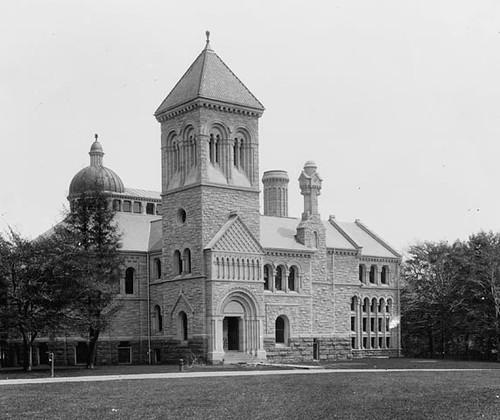 University of Toronto Library, Toronto, Ontario / Bibliothèque de l'Université de Toronto (Ontario)