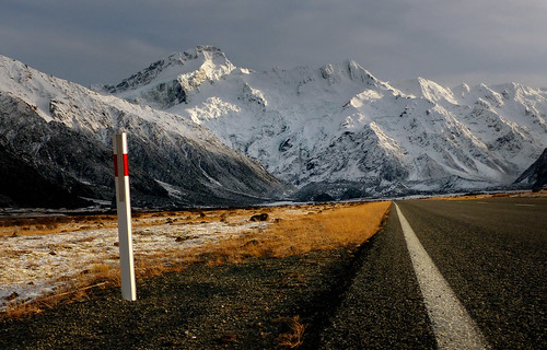 Alpine Highway.Mt Sefton.NZ