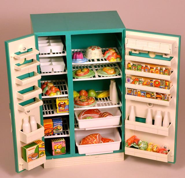 Dream Kitchen Toy Refrigerator: Suzy Homemaker Refrigerator