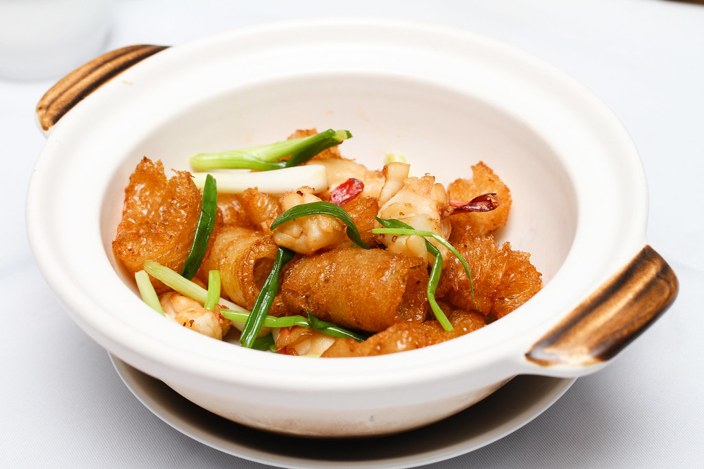 平泰潮州海鲜餐厅:炸鱼肚配虾