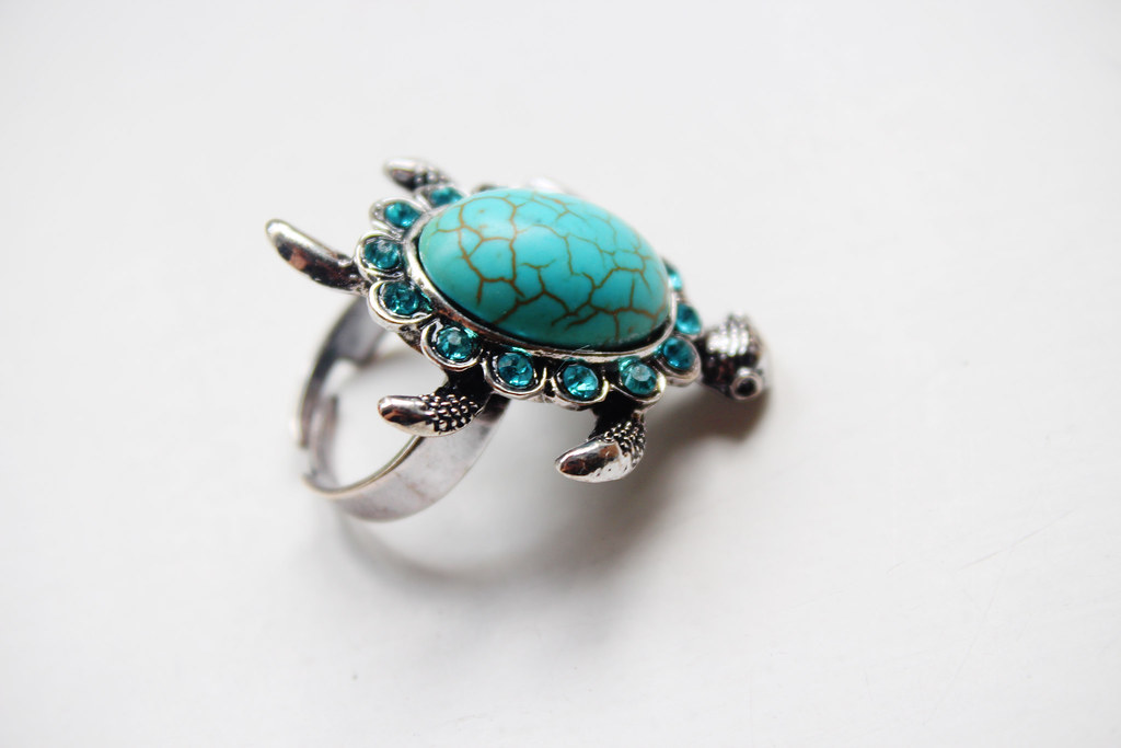 Fashion-bloggers-review-on-items-accessories-bought-on-Ebay-ring