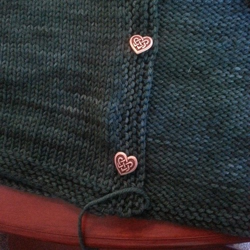 Finishing a cardigan #knitting