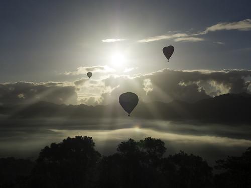 cloudy sunset flickrfriday mistandfog 臺灣國際熱氣球嘉年華 鹿野 台東 熱氣球 olympus em5 斜射光 oblique light