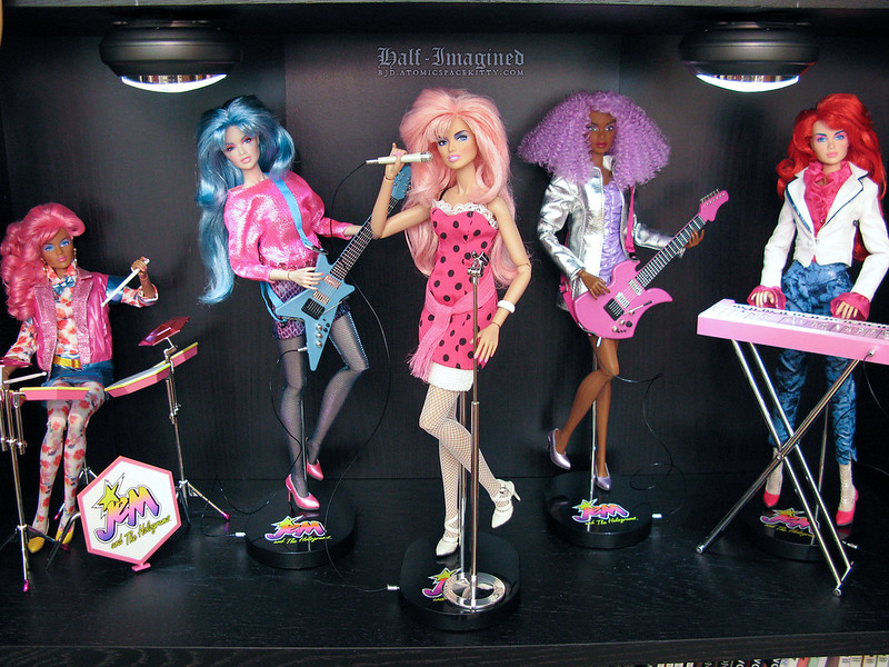 Jem and the Holograms (1 of 6)