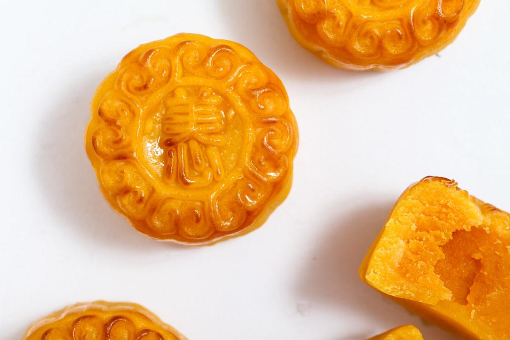 Mei Xin Mooncake: Egg Custard Mooncakes Close Up