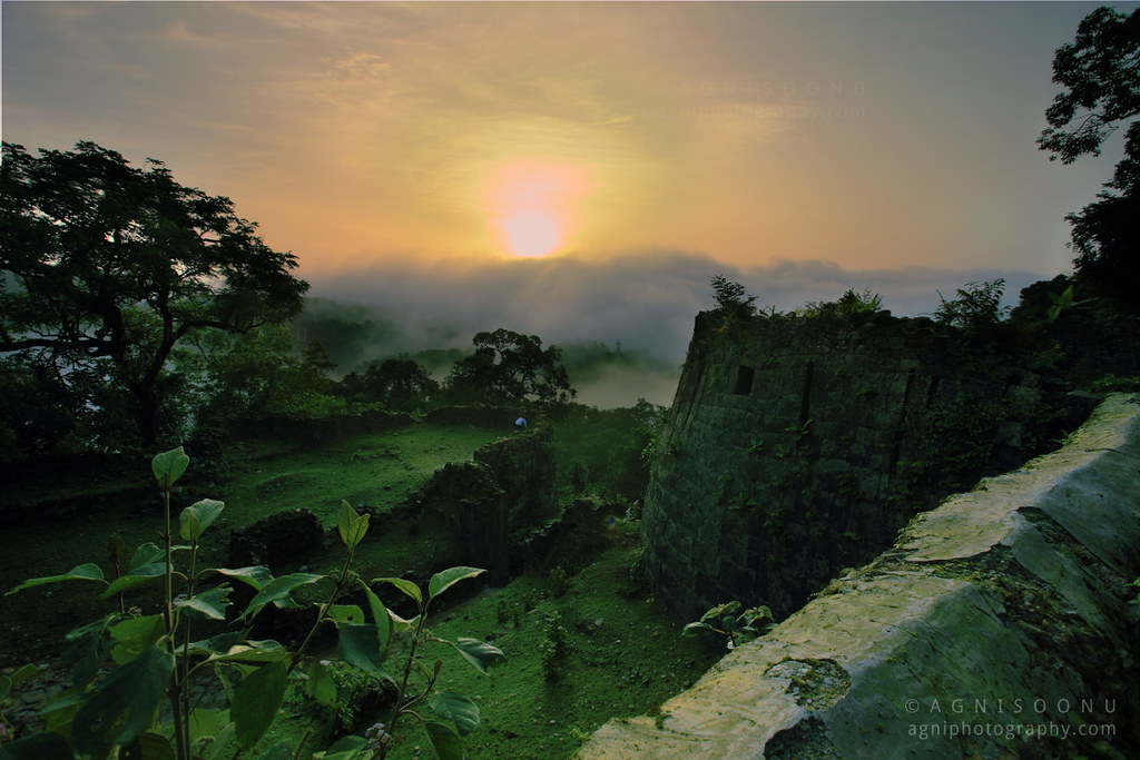 Misty sunrise at Kavaledurga fort, Agumbe