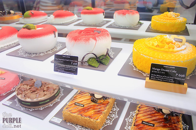Fresh Strawberry and Mango Cakes at Tous les Jours
