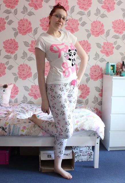 Outfit: Lounging Panda