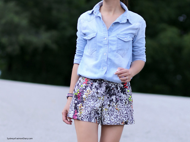 JOA printed shorts and chambray shirt