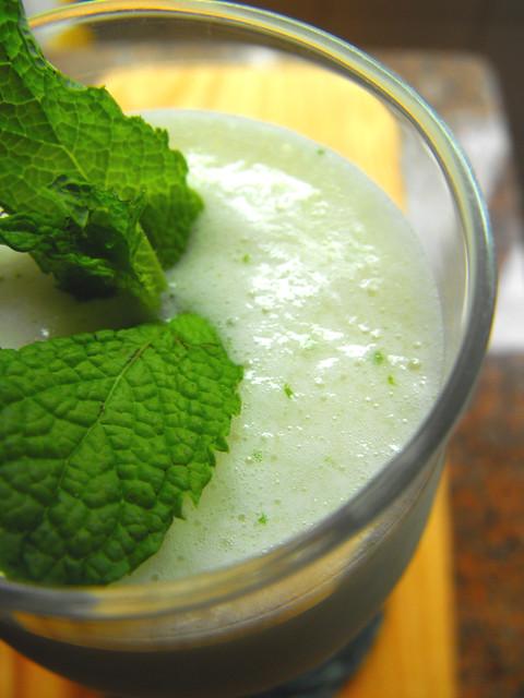 Batido de abacaxi com leite de coco