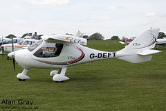 G-DEFT FLIGHT DESIGN CT SW 07-07-16 PRIVATE -Sywell-20130601-Alan Gray-IMG_6506