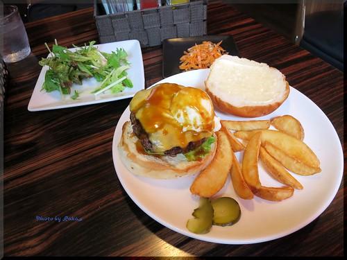 Photo:2014-06-09_ハンバーガーログブック_【品川】yves GRILL&DINING ランチメニューの期間限定バーガーを頂いてきました-02 By:logtaka