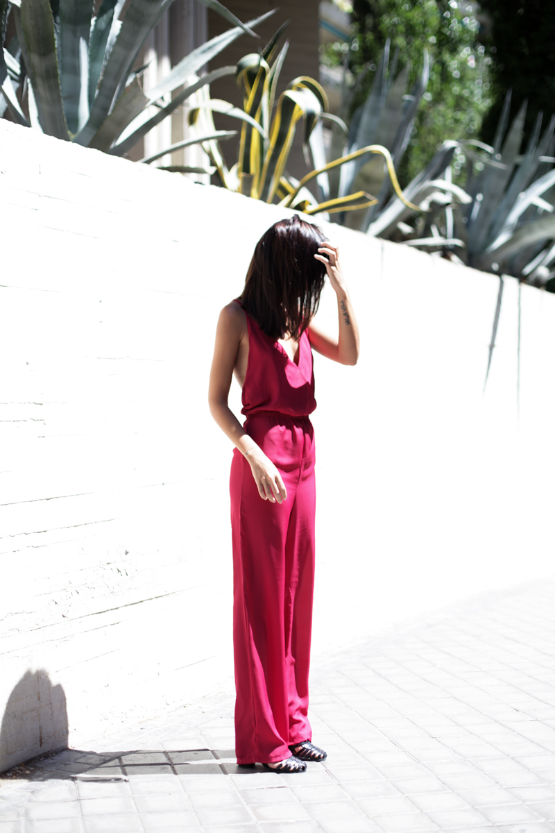 jumpsuit-gup-at-the-back-burgundy-005