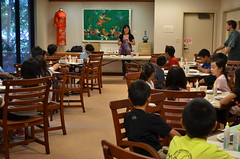 Mid-Pacific Institute 6th graders visit the East-West Center Gallery