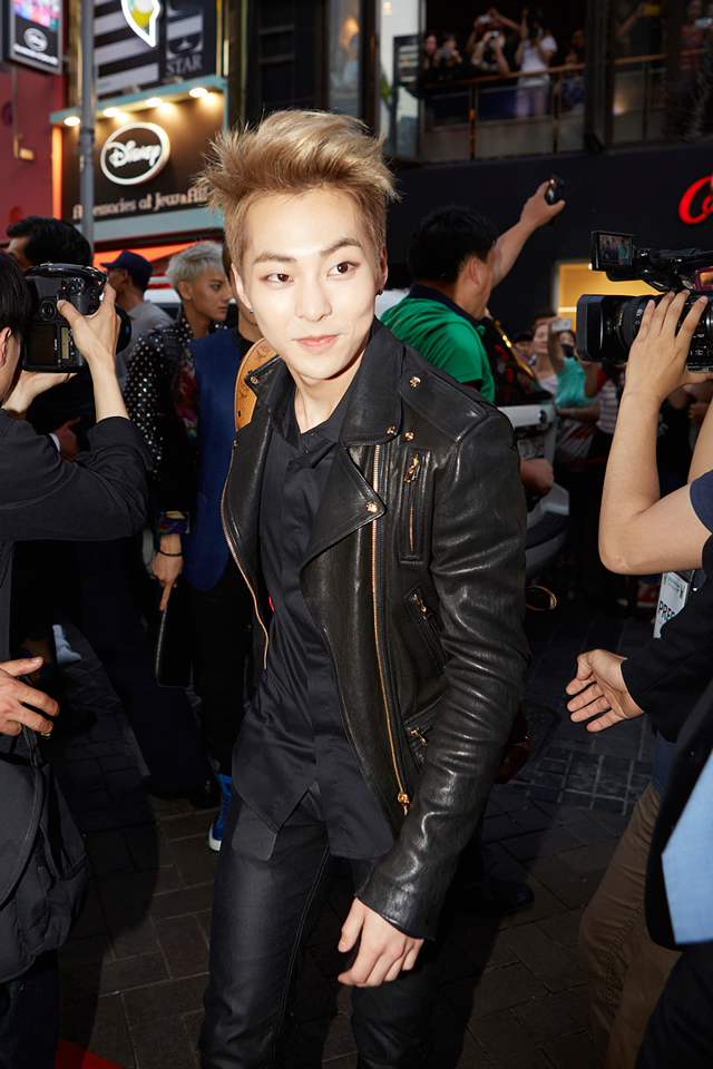 EXO-Xiumin-with-MCM-AW14-Duke-Visetos