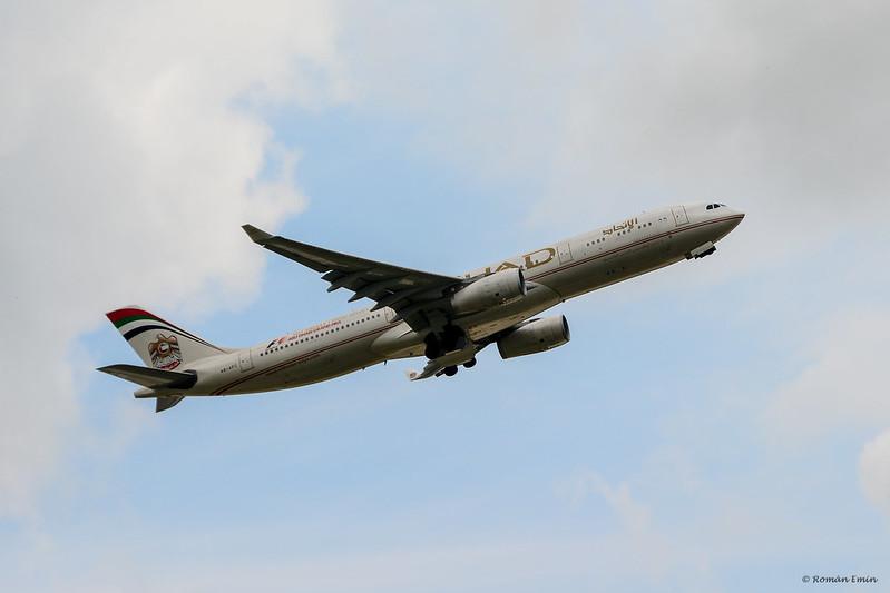 Etihad A330.