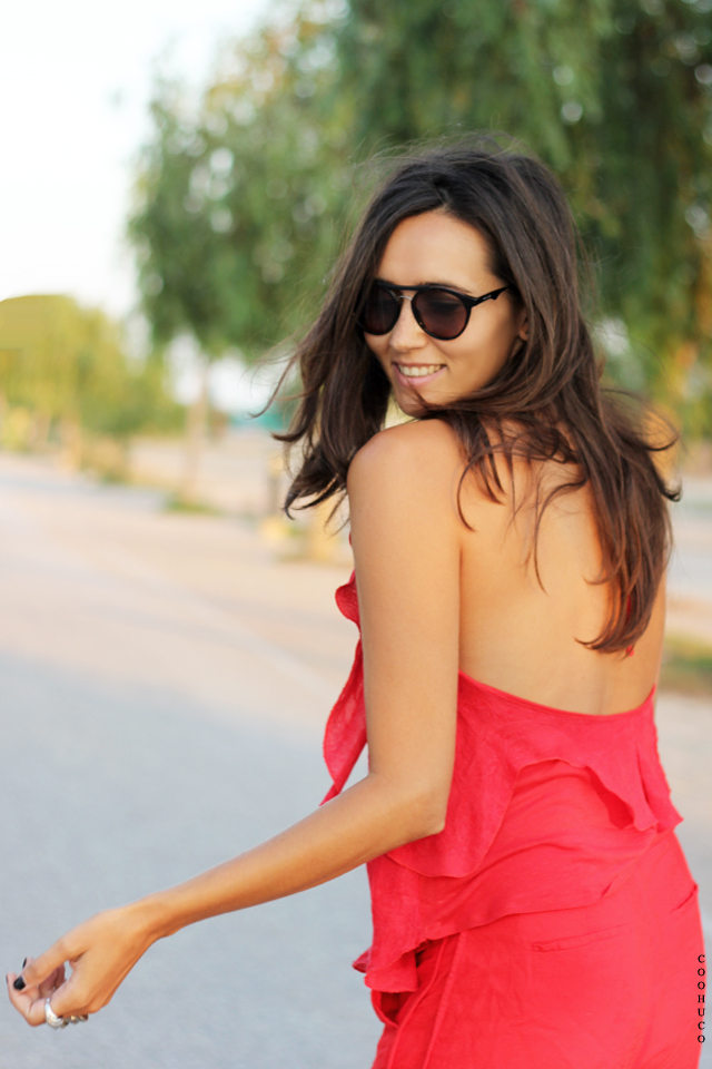 woman red dress coohuco 3