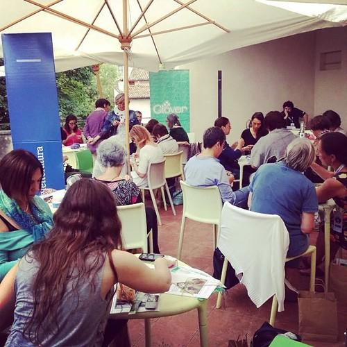 Knitting @festivaletteratura :) con @annamariaturchi e Chiara Carminati :) grandi e meravigliose emozioni :) Many beautiful emotions :) #Festlet #Festivaletteratura