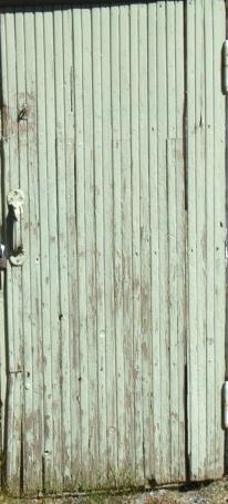 IIsalmen Tyttölyseon kellarin ovi