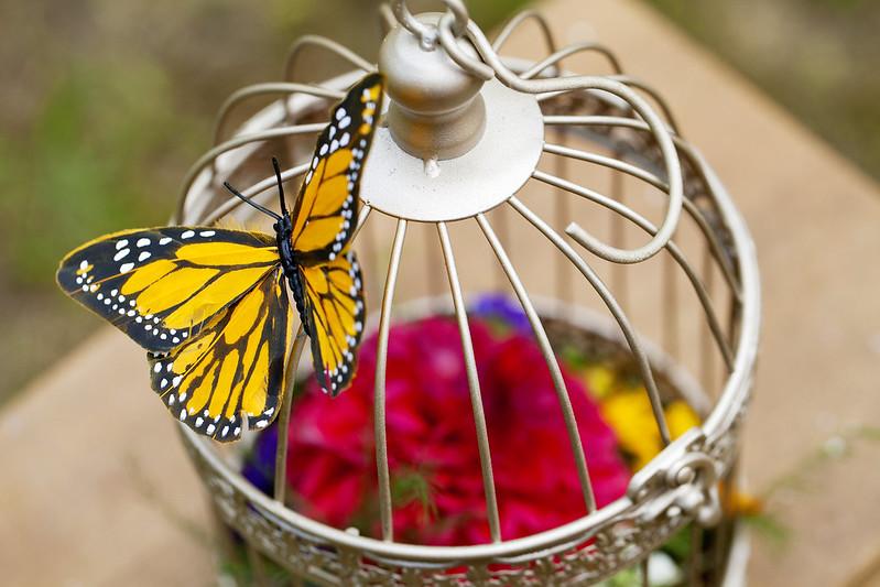 Mini birdcage bouquets via @offbeatbride