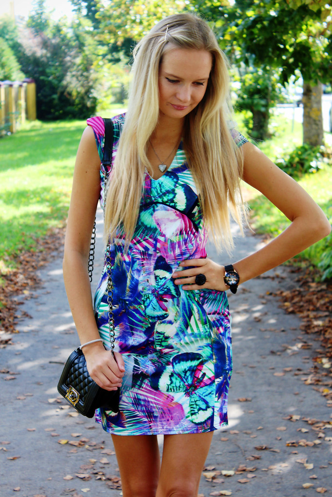 quiz-tropical-print-dress