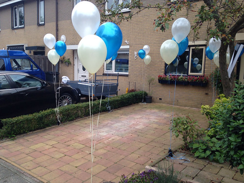 Tafeldecoratie 3ballonnen Gronddecoratie Ivoor, Blauw, Wit