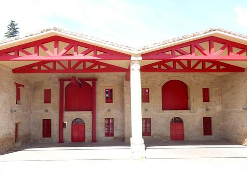 Fachada edificios de elaboración de vinos (Marqués de Riscal)