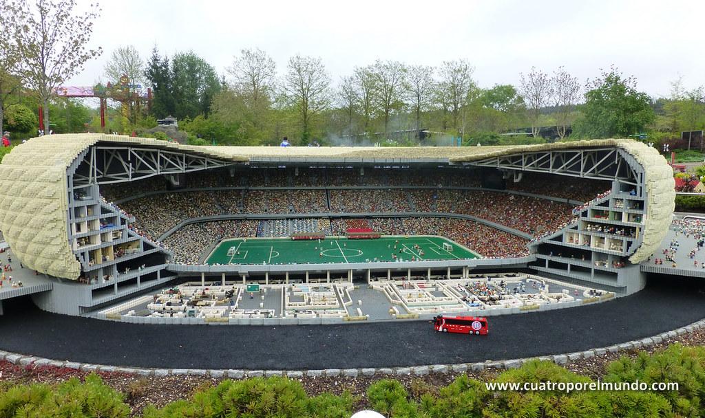 Reproducción del Allianz Arena, el estadio del Bayern de Munich. Alucinante