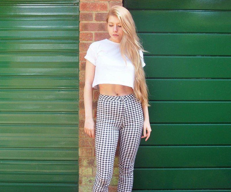 New Look, Teens, 915, Gingham, Check, Black and White, High Waisted, Disco Jeans, Capri Pants, How to Wear, Styling Ideas, Outfit Inspiration, UK Fashion Blogger, London Style Blogger, SS14, Crop Top, Cropped T-Shirt, Boyfriend, Primark, Topshop Joni, Dupe