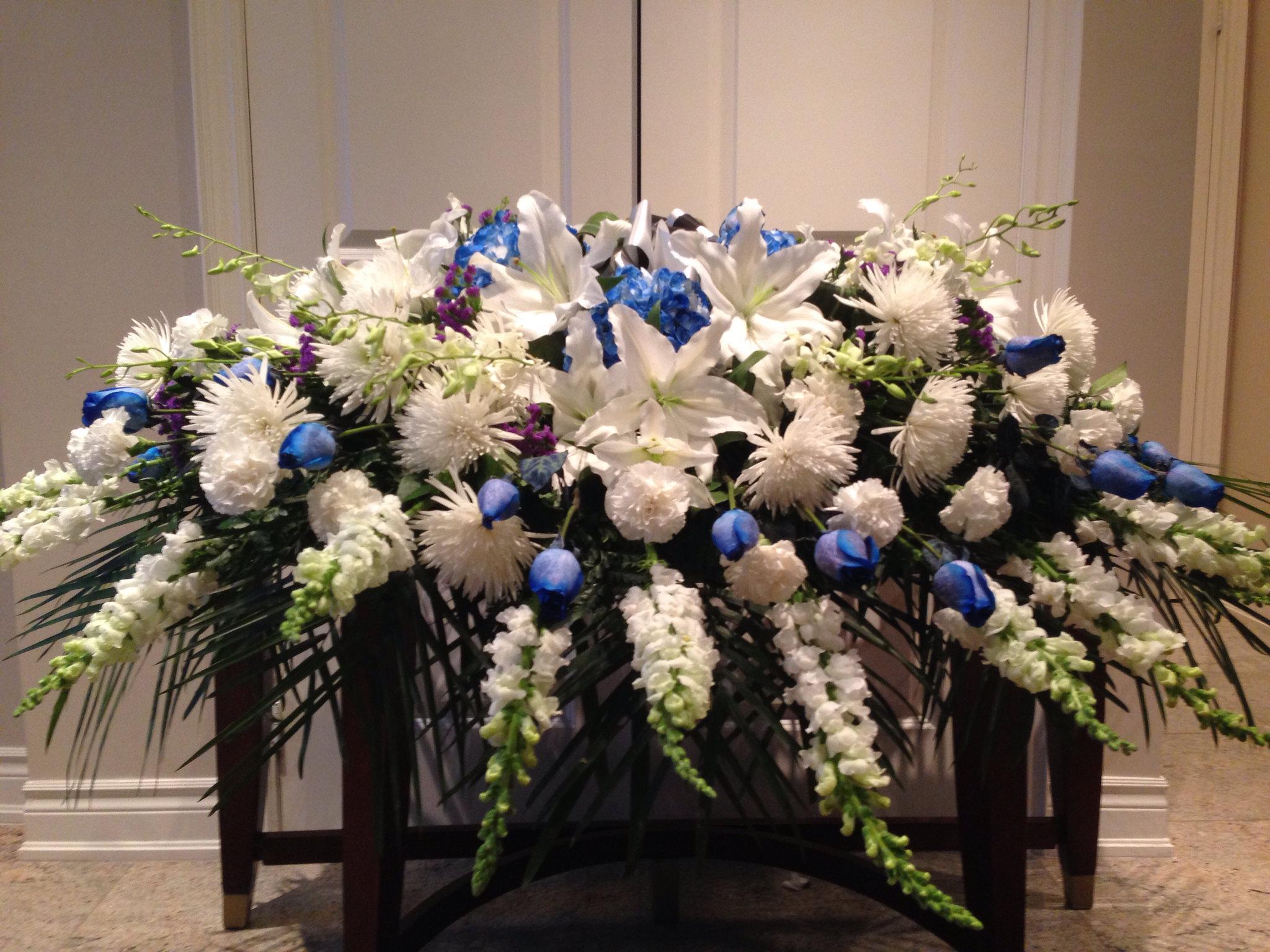 Farah florist  F-c12    . $500.